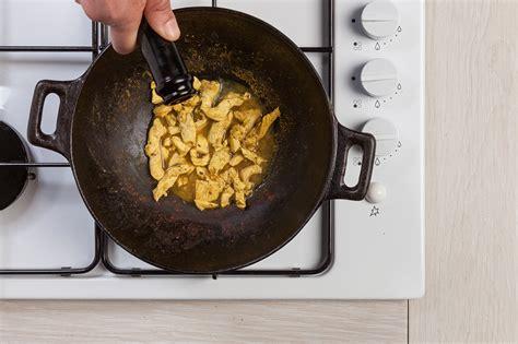 come cucinare straccetti di pollo ricetta di straccetti di pollo al curry