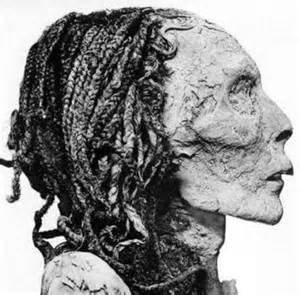 information on egyptain hairstlyes for and the science of ancient egyptian hair and why it sometimes