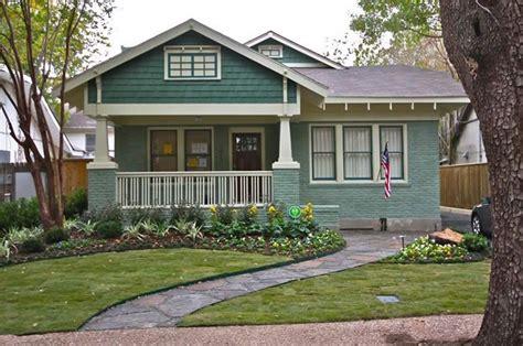 bungalow paint color schemes pick your favorite historic 147 best images about bungalow exterior color schemes on