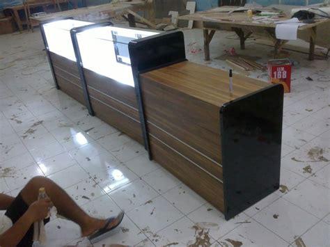 Etalase Rak Roti etalase display toko roti dan penghangat furniture