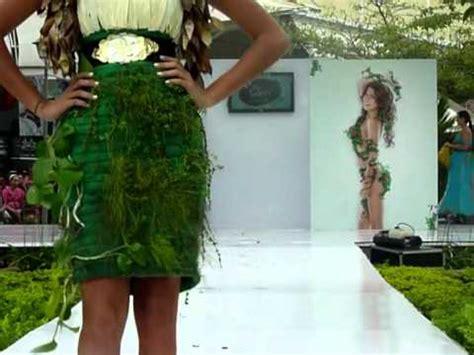 kyuhyun vestido de arbol youtube desfile con vestidos vivos youtube