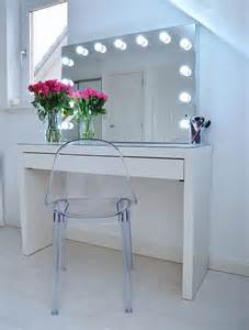 Makeup Vanity Table Sydney 25 Best Ideas About Mirror On