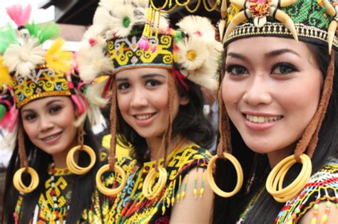 tato etnik dayak orang ulu tribes sarawak cultural village