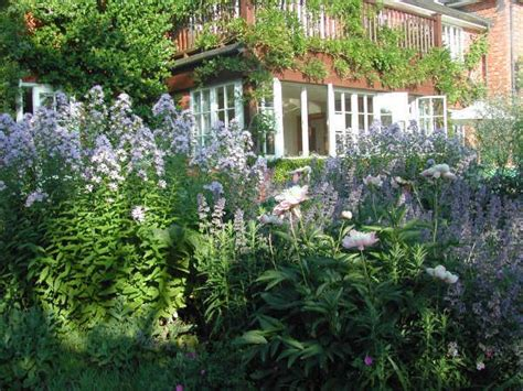 cottage gardening ideas cottage garden design ideas gardening