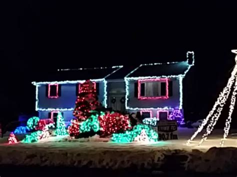 check out this christmas light display to let it go in