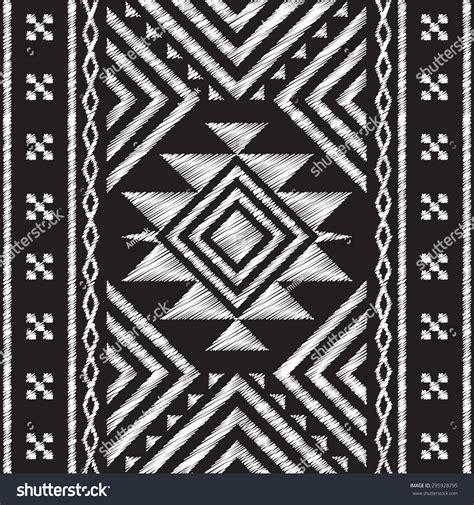 doodle tengkorak stock vector chalkboard doodle tribal aztec