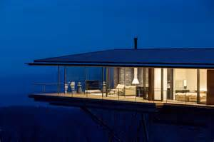 Glass Wall House by Glass Wall House Images