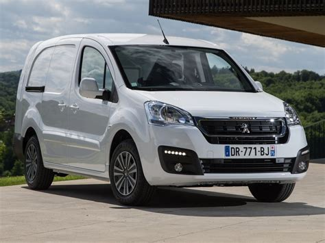 peugeot partner 2015 the motoring world uk recall 11 peugeot recalls a pair