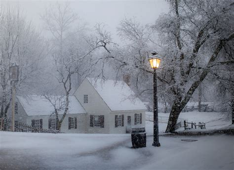 christmas lights that look like snow falling falling snow colonial williamsburg pinterest