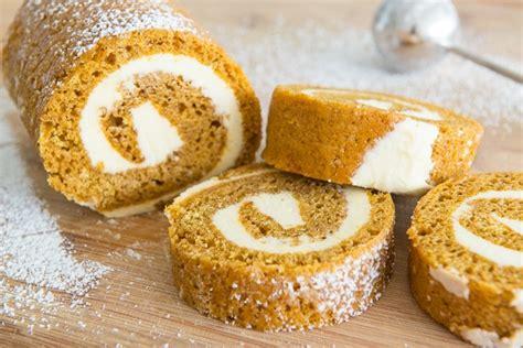 pumpkin cake roll pumpkin roll how to make a pumpkin roll cake fifteen