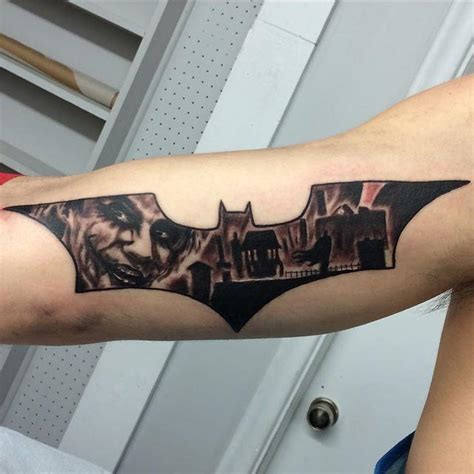 tattoo batman no braço 60 tatuagens de coringa impressionantes fotos