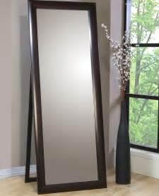 abstrakt white kitchen