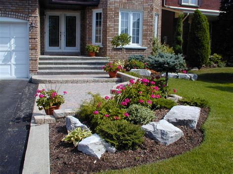 Small Front Yard Landscaping Home Round Ideas For Small Front Garden