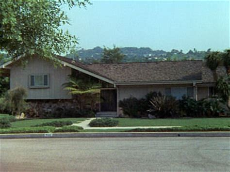 brady bunch house house the o jays and the brady bunch on pinterest
