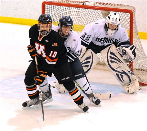 Section 8aa Hockey by Moorhead Aims For Repeat Bid