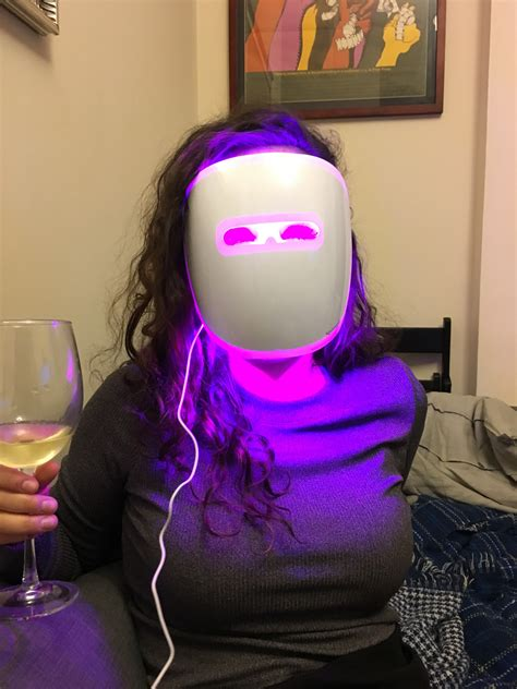 light mask neutrogena acne light mask does it work we tried it