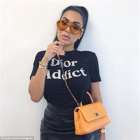 Kkpksenyum Monalisa New Oleh Alya 1 huda kattan spends 4 000 a month on makeup daily mail