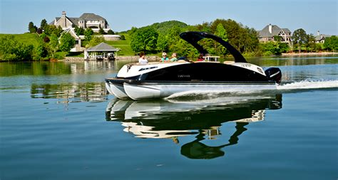 luxury pontoon boats reviews qwest luxury series 818 small pontoon boat with a big