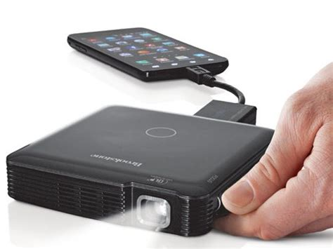 Proyektor Smartphone hdmi pocket projector for smartphones and tablets the gadgeteer