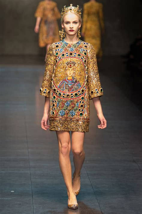 Catwalk To Carpet Alba In Dolce Gabbana by Dolce Gabbana Fall Winter 2013 Searching For Style