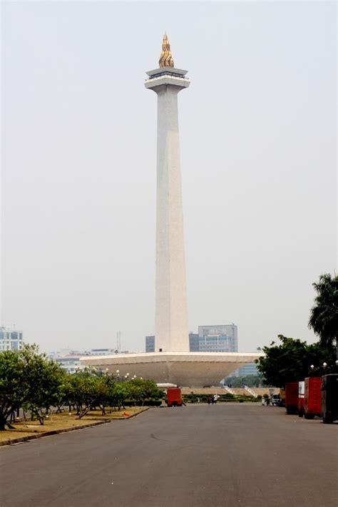 Monumen Nasional Monumen Keagungan Bangsa Indonesia jakarta theonearmedcrab