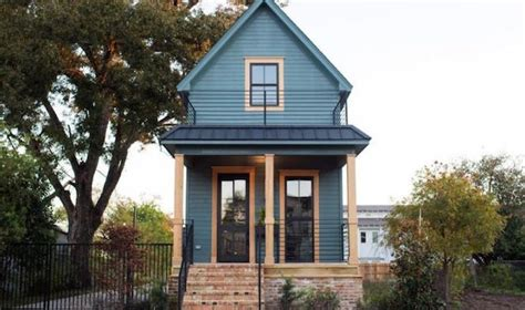 chip and joanna gaines home address chip and joanna gaines give this tiny waco home an amazing