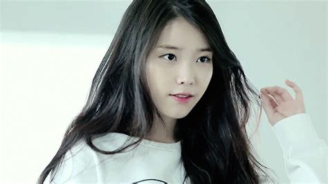 Find Iu Iu Gif Find On Giphy