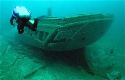 higgins lake sunken boat lake michigan shipwreck graveyard may become national