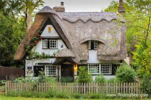 country cottages 9 favorite cute and quaint country cottages touristbee com