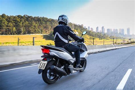Pcx 2018 Velocidade by Honda Pcx 150 Ganha Novas Op 231 245 Es De Cores Para A Linha