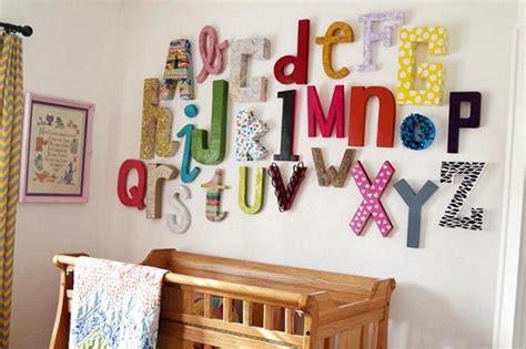 decoracion dormitorio letras un alfabeto de letras de tela para el dormitorio infantil