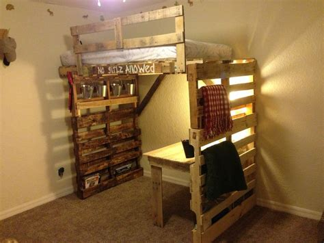 pallet loft bed pallet bunk type bed and desk i like the design but do