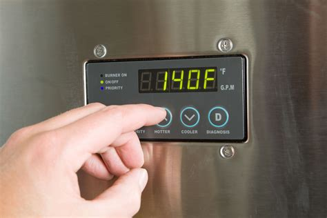 reasons  water heater doesnt   hot water
