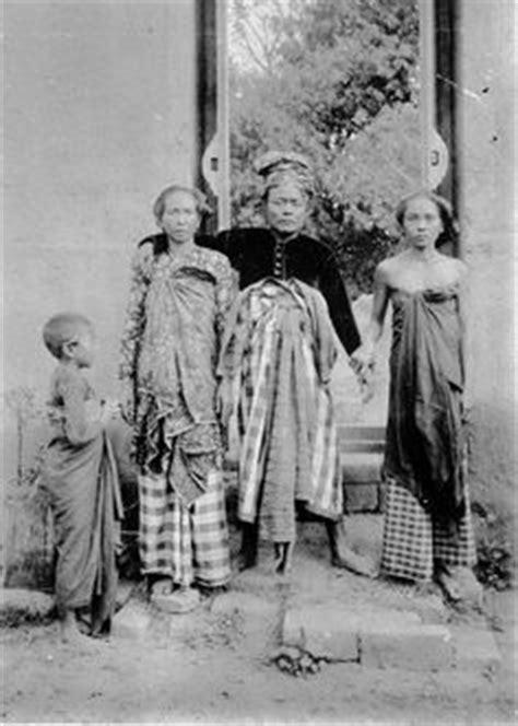 Syari Peplum Gliter indonesia bali 1920 a balinese indonesia vintage indonesia and