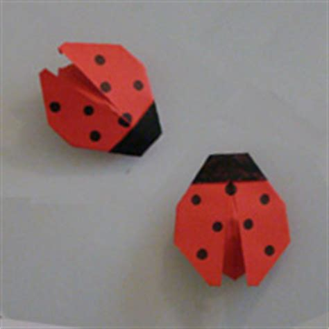 How To Make Paper Ladybugs - easy origami ladybug