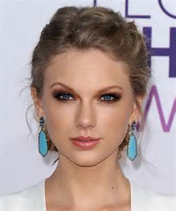 casual updo hairstyles front n back taylor swift hairstyles for 2017 celebrity hairstyles by