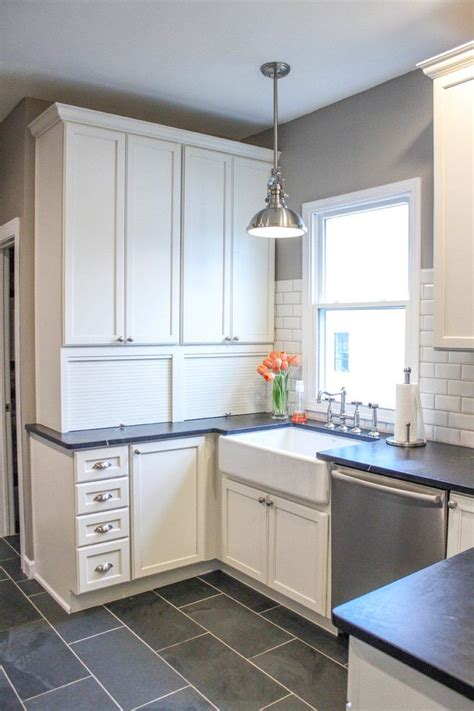 best white for kitchen cabinets behr 75 best images about cabinets on kashmir white