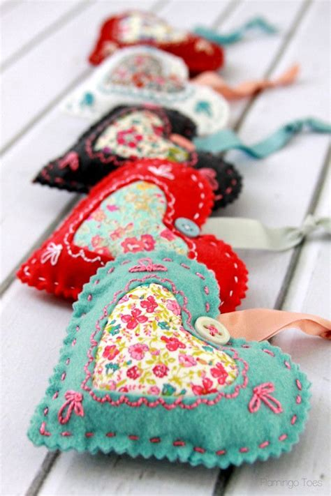 fabric crafts patterns best 25 fabric hearts ideas on