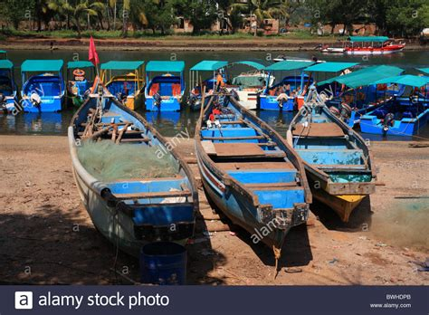 bluewater boats holly hill tourist boats india stock photos tourist boats india