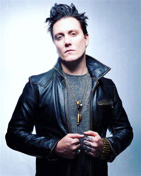 synyster gates avenged sevenfold news synyster gates takes the rockstar test