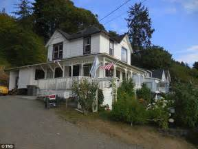 goonies house owner of the goonies house in astoria oregon reveals she s harassed by 1 000 fans