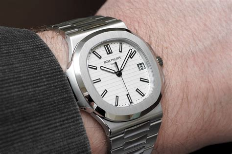 """Professional Watches: Hands On With The Patek Philippe Nautilus """"Jumbo"""" White Dial"""
