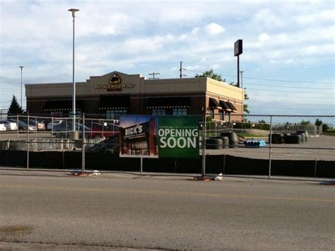 s sporting goods coming to south county center