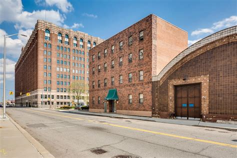 Apartment Buildings For Sale Detroit New Center Apartment Building With Ready Pool Lists