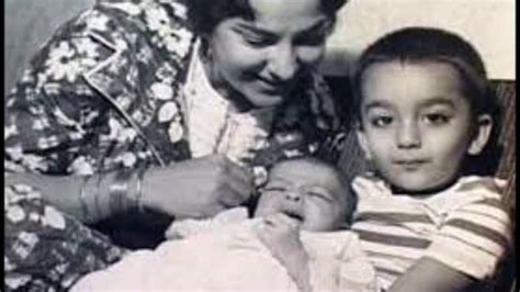 biography of mother india bollywood actress nargis and actor sunil dutt with their