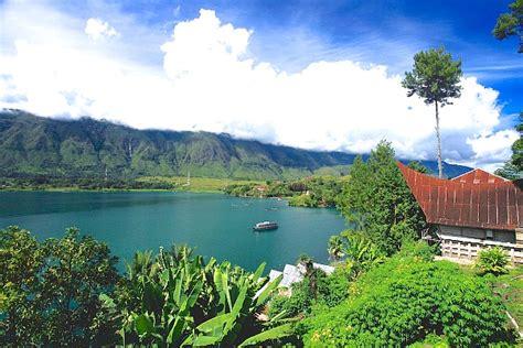 Morning Danau Toba danau toba danau indah dengan luas lebih dari singapura
