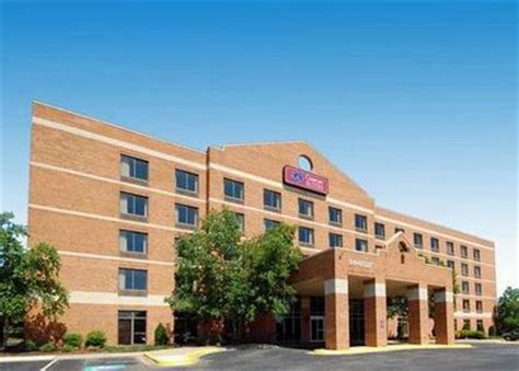 comfort suites laurel comfort suites at laurel lakes laurel deals see hotel
