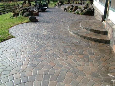 Circular Patio by Circle Patio Pavers Circular Patio With Steps Curved