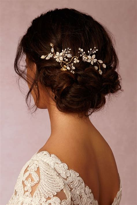 Garden Wedding Hairstyles For Bridesmaids by Best 25 Wedding Hair Accessories Ideas On