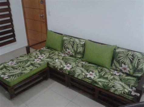 pallet corner sofa and media wall pallet furniture diy